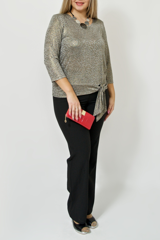 БлузкаБлузки<br>Шикарная женская блузка из приятного, струящегося трикотажа для прекрасных дам. Модель будет удачно гармонировать с различными элементами гардероба. Украшение в комплект не входит.  Цвет: серо-золотой.  Ростовка изделия 170 см<br><br>Горловина: С- горловина<br>По материалу: Трикотаж<br>По рисунку: С принтом,Цветные<br>По сезону: Весна,Зима,Лето,Осень,Всесезон<br>По силуэту: Полуприталенные<br>По стилю: Нарядный стиль,Повседневный стиль<br>Рукав: Рукав три четверти<br>Размер : 46-48,50-52,62-64<br>Материал: Трикотаж<br>Количество в наличии: 4