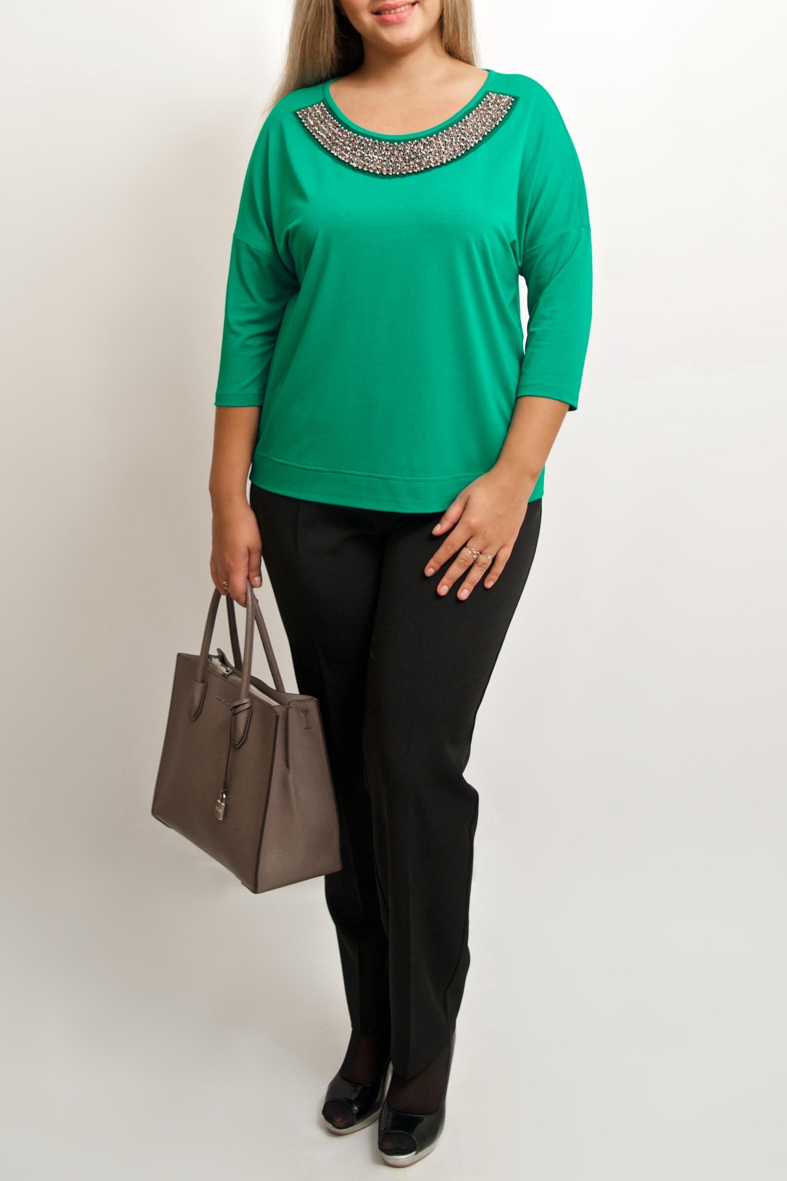 БлузкаБлузки<br>Однотонная блузка с круглой горловиной и рукавами 3/4. Модель выполнена из приятного трикотажа. Отличный выбор для повседневного гардероба.  Цвет: зеленый  Ростовка изделия 170 см.<br><br>Горловина: С- горловина<br>По материалу: Вискоза,Трикотаж<br>По сезону: Весна,Зима,Лето,Осень,Всесезон<br>По силуэту: Полуприталенные<br>По стилю: Нарядный стиль<br>По элементам: С декором<br>Рукав: Рукав три четверти<br>Размер : 46-48,50-52,54-56<br>Материал: Трикотаж<br>Количество в наличии: 4
