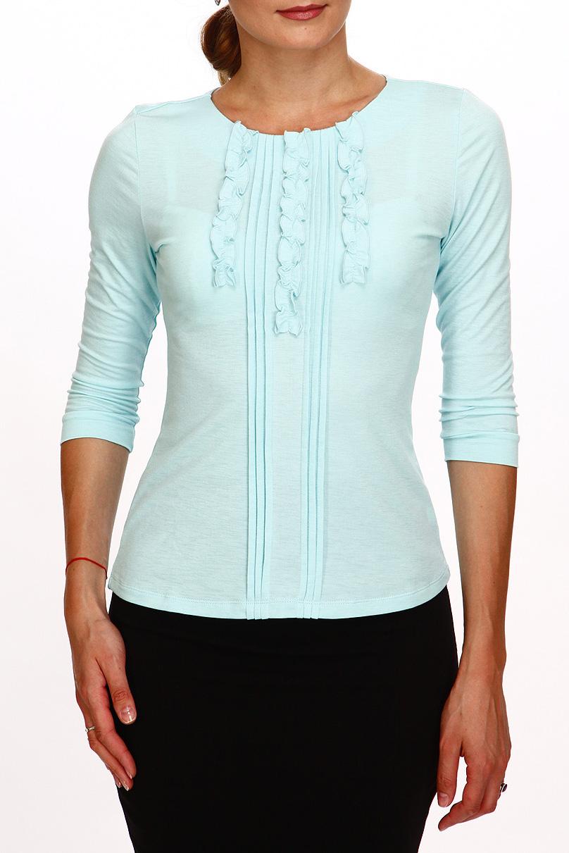 БлузкаБлузки<br>Однотонная блузка с круглой горловиной и рукавами 3/4. Модель выполнена из приятного трикотажа. Отличный выбор для повседневного гардероба. Ростовка изделия 170 см.  Цвет: голубой  Рост девушки-фотомодели 180 см<br><br>Горловина: С- горловина<br>По материалу: Трикотаж,Хлопок<br>По рисунку: Однотонные<br>По сезону: Весна,Зима,Лето,Осень,Всесезон<br>По силуэту: Приталенные<br>По стилю: Офисный стиль,Повседневный стиль<br>По элементам: С воланами и рюшами,С декором<br>Рукав: Рукав три четверти<br>Размер : 42,44,46,48,50<br>Материал: Трикотаж<br>Количество в наличии: 5