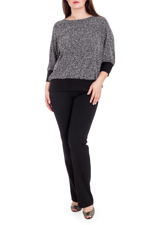 БлузкаДжемперы<br>Очаровательная блузка с милым бантом на спинке. Модель выполнена из приятного материала. Отличный выбор для повседневного гардероба.  В изделии использованы цвета: серый, черный  Рост девушки-фотомодели 180 см<br><br>Горловина: С- горловина<br>По материалу: Трикотаж<br>По рисунку: Цветные<br>По сезону: Зима,Осень,Весна<br>По силуэту: Свободные<br>По стилю: Повседневный стиль<br>По элементам: С декором,С манжетами<br>Рукав: Рукав три четверти<br>Размер : 56,60,64,66<br>Материал: Трикотаж<br>Количество в наличии: 4
