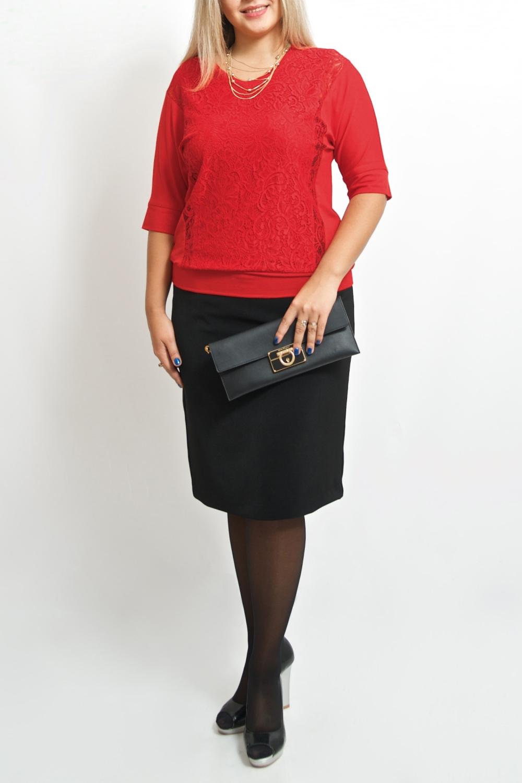 БлузкаБлузки<br>Повседневно - нарядные блузки идеально подходят как для романтичных встреч, так и для походов в кафе с Вашими подругами. Изделие выполнено из струящегося трикотажа, который прекрасно садится по любой фигуре.  Цвет: красный.  Ростовка изделия 170 см.<br><br>Горловина: С- горловина<br>По материалу: Вискоза,Гипюр,Трикотаж<br>По рисунку: Однотонные<br>По сезону: Весна,Зима,Лето,Осень,Всесезон<br>По силуэту: Полуприталенные<br>По стилю: Нарядный стиль,Повседневный стиль<br>По элементам: С декором,С манжетами<br>Рукав: До локтя<br>Размер : 46-48,50-52,54-56,58-60<br>Материал: Трикотаж + Гипюр<br>Количество в наличии: 5