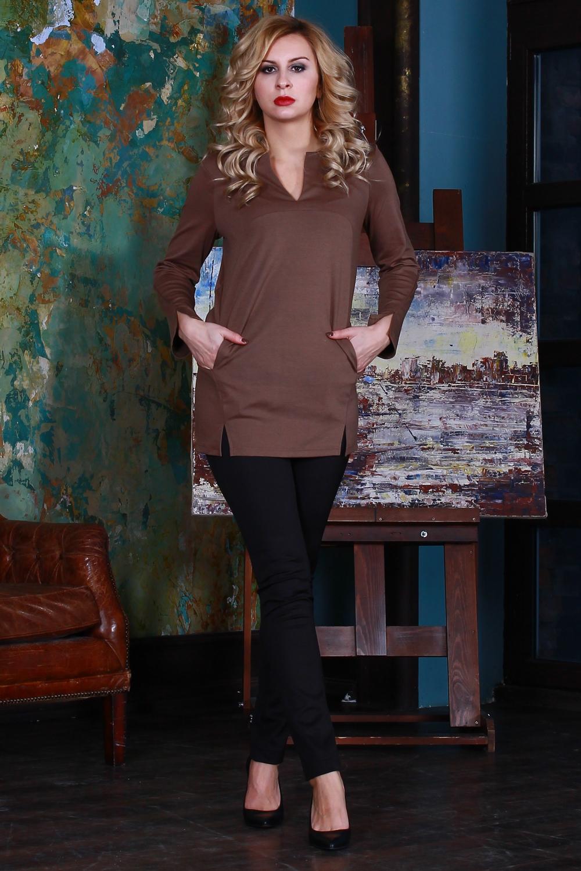 ТуникаТуники<br>Туника из полушерстяного трикотажного полотна прямого силуэта с внутренними карманами, с фигурным подрезом по линии груди и рельефами на полочке. Рукав длинный, втачной. По низу рукава и рельефа - небольшие разрезы.   Длина изделия от 73 см до 82 см,  в зависимости от размера.  Цвет: коричневый  Рост девушки-фотомодели 175 см<br><br>Горловина: V- горловина,Фигурная горловина<br>По материалу: Трикотаж,Шерсть<br>По образу: Город,Офис,Свидание<br>По рисунку: Однотонные<br>По силуэту: Прямые<br>По стилю: Офисный стиль,Повседневный стиль<br>По элементам: С карманами,С разрезом<br>Рукав: Длинный рукав<br>По сезону: Осень,Весна<br>Размер : 44,46,48,50,52,54<br>Материал: Трикотаж<br>Количество в наличии: 3