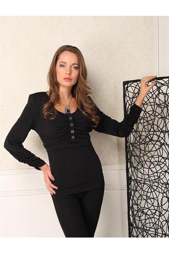 БлузкаБлузки<br>Трикотажная блузка комфортная и стильная. На лифе застежка на 4-х пуговках. Рукава длинные. Отличный выбор для повседневного и делового гардероба, отлично смотрится с брюками и юбками.  Цвет: черный  Параметры (обхват груди; обхват талии; обхват бедер): 44 размер - 88; 66,4; 96 см 46 размер - 92; 70,6; 100 см 48 размер - 96; 74,2; 104 см 50 размер - 100; 90; 106 см 52 размер - 104; 94; 110 см 54-56 размер - 108-112; 98-102; 114-118 см 58-60 размер - 116-120; 106-110; 124-130 см<br><br>Горловина: С- горловина<br>Застежка: С пуговицами<br>По материалу: Трикотаж<br>По образу: Город,Офис,Свидание<br>По рисунку: Однотонные<br>По сезону: Весна,Зима,Лето,Осень,Всесезон<br>По силуэту: Приталенные<br>По стилю: Офисный стиль,Повседневный стиль<br>По элементам: Со складками<br>Рукав: Длинный рукав<br>Размер : 54-56,58-60<br>Материал: Холодное масло<br>Количество в наличии: 2