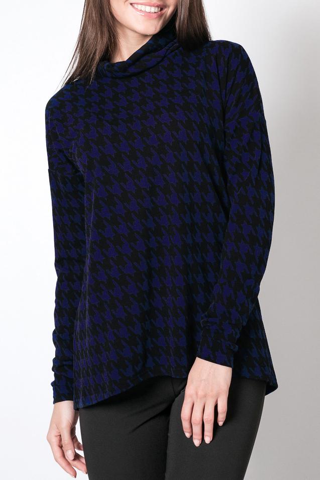 ДжемперДжемперы<br>Прекрасный джемпер с воротником хомут и длинными рукавами. Модель выполнена из приятного трикотажа с принтом гусиная лапка. Отличный выбор для повседневного гардероба.  Цвет: черный, синий  Параметры изделия: 44 размер: полуобхват по линии груди - 51 см, полуобхват по линии бедра 55 - см, длина по спинке 72.5 - см;  52 размер: полуобхват по линии груди - 55 см, полуобхват по линии бедра 63 - см, длина по спинке 76.5 - см  Рост девушки-фотомодели 170 см<br><br>По образу: Город,Свидание<br>По рисунку: Геометрия,Цветные<br>По сезону: Весна,Осень<br>Рукав: Длинный рукав<br>По материалу: Трикотаж<br>По силуэту: Прямые<br>По стилю: Повседневный стиль<br>Размер : 42,44,46,48,54,56,58<br>Материал: Трикотаж<br>Количество в наличии: 7