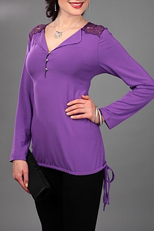 БлузкаБлузки<br>Нарядная блузка с длинными рукавами. Модель выполнена из приятного трикотажа и гипюра. Отличный выбор для любого случая.  В изделии использованы цвета: фиолетовый  Параметры (обхват груди; обхват талии; обхват бедер): 44 размер - 88; 66,4; 96 см 46 размер - 92; 70,6; 100 см 48 размер - 96; 74,2; 104 см 50 размер - 100; 90; 106 см 52 размер - 104; 94; 110 см 54-56 размер - 108-112; 98-102; 114-118 см 58-60 размер - 116-120; 106-110; 124-130 см  Ростовка изделия 170 см.<br><br>Воротник: Отложной<br>Горловина: V- горловина<br>Застежка: С пуговицами<br>По материалу: Гипюр,Трикотаж<br>По рисунку: Однотонные<br>По сезону: Весна,Зима,Лето,Осень,Всесезон<br>По силуэту: Прямые<br>По стилю: Нарядный стиль<br>По элементам: С декором<br>Рукав: Длинный рукав<br>Размер : 52,54-56<br>Материал: Трикотаж + Гипюр<br>Количество в наличии: 2