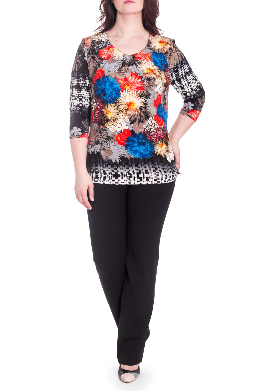 БлузкаБлузки<br>Цветная блузка с круглой горловиной и рукавами 3/4. Модель выполнена из приятного материала. Отличный выбор для повседневного гардероба.  В изделии использованы цвета: серый, коричневый, красный, синий и др.  Рост девушки-фотомодели 180 см<br><br>Горловина: С- горловина<br>По материалу: Вискоза<br>По рисунку: Растительные мотивы,С принтом,Цветные,Цветочные<br>По сезону: Весна,Зима,Лето,Осень,Всесезон<br>По силуэту: Приталенные<br>По стилю: Повседневный стиль<br>Рукав: Рукав три четверти<br>Размер : 58,64<br>Материал: Вискоза<br>Количество в наличии: 2