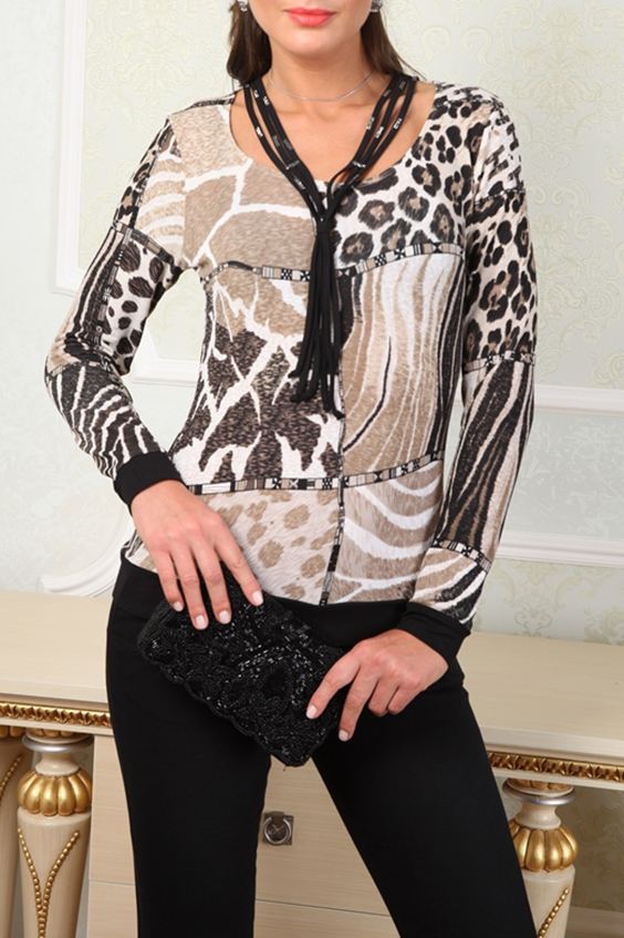 БлузкаБлузки<br>Универсальная блузка с анималистическим принтом. Модель выполнена из приятного материала. Отличный выбор для любого случая.  В изделии использованы цвета: бежевый, коричневый и др.  Параметры (обхват груди; обхват талии; обхват бедер): 44 размер - 88; 66,4; 96 см 46 размер - 92; 70,6; 100 см 48 размер - 96; 74,2; 104 см 50 размер - 100; 90; 106 см 52 размер - 104; 94; 110 см 54-56 размер - 108-112; 98-102; 114-118 см 58-60 размер - 116-120; 106-110; 124-130 см  Ростовка изделия 170 см.<br><br>Горловина: С- горловина<br>По материалу: Трикотаж<br>По рисунку: Животные мотивы,Зебра,Леопард,С принтом,Цветные<br>По сезону: Весна,Зима,Лето,Осень,Всесезон<br>По силуэту: Приталенные<br>По стилю: Повседневный стиль<br>По элементам: С манжетами<br>Рукав: Длинный рукав<br>Размер : 48<br>Материал: Трикотаж<br>Количество в наличии: 1