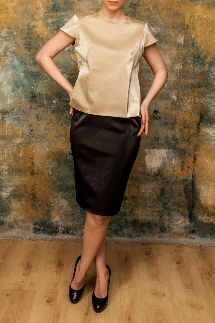 ТопБлузки<br>Топы из Shimmer linen ткани станут нынешним летом обязательным элементом женского гардероба. Это натуральная ткань с неповторимым мерцанием. Ткань хорошо проводит тепло, хорошо впитывает влагу, устойчива к прямым солнечным лучам, обладает высокой износоустойчивостью, одежду можно носить много лет. Льняные ткани достаточно прохладны, поэтому рекомендуется носить одежду из них в летнее время года. Любители комфорта и качества по достоинству оценят изделия из Shimmer linen. Модель идеально будет сочетаться с юбкой U(1)-NNE (для просмотра модели введите артикул в строке поиска).  Цвет: бежевый  Ростовка изделия 170 см.<br><br>Горловина: С- горловина<br>По материалу: Тканевые,Хлопок<br>По образу: Город,Свидание<br>По рисунку: Однотонные<br>По сезону: Весна,Зима,Лето,Осень,Всесезон<br>По силуэту: Полуприталенные<br>По стилю: Повседневный стиль<br>Рукав: Короткий рукав<br>Размер : 48,52<br>Материал: Блузочная ткань<br>Количество в наличии: 2