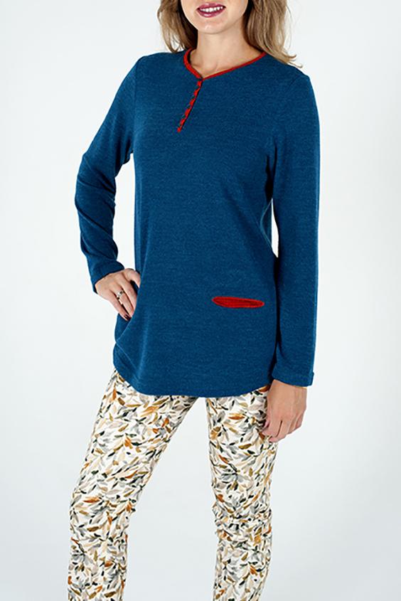 БлузкаБлузки<br>Удлиненная блузка с длинными рукавами. Модель выполнена из приятного трикотажа. Отличный выбор для повседневного гардероба.  В изделии использованы цвета: синий, красный  Ростовка изделия 170 см.<br><br>Горловина: С- горловина<br>Застежка: С пуговицами<br>По материалу: Вискоза,Трикотаж<br>По образу: Город,Свидание<br>По рисунку: Однотонные<br>По сезону: Весна,Зима,Лето,Осень,Всесезон<br>По силуэту: Полуприталенные<br>По стилю: Повседневный стиль<br>По элементам: С карманами<br>Рукав: Длинный рукав<br>Размер : 46,48,50,52,54,56<br>Материал: Трикотаж<br>Количество в наличии: 6