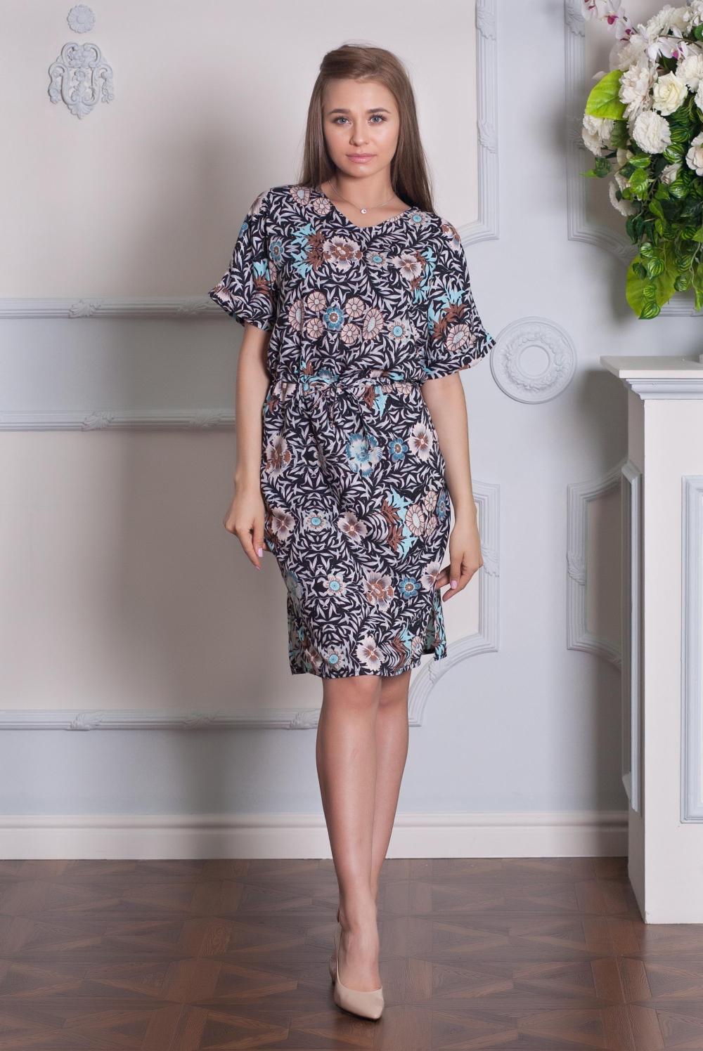 ТуникаТуники<br>Красивое платье-туника с короткими рукавами. Модель выполнена из хлопкового материала. Отличный выбор для любого случая.  Цвет: синий, розовый, голубой  Ростовка изделия 170 см.<br><br>Горловина: V- горловина<br>По материалу: Тканевые,Хлопок<br>По рисунку: С принтом,Цветные<br>По силуэту: Полуприталенные<br>По стилю: Повседневный стиль<br>Рукав: До локтя,Короткий рукав<br>По сезону: Лето<br>Размер : 42<br>Материал: Хлопок<br>Количество в наличии: 1