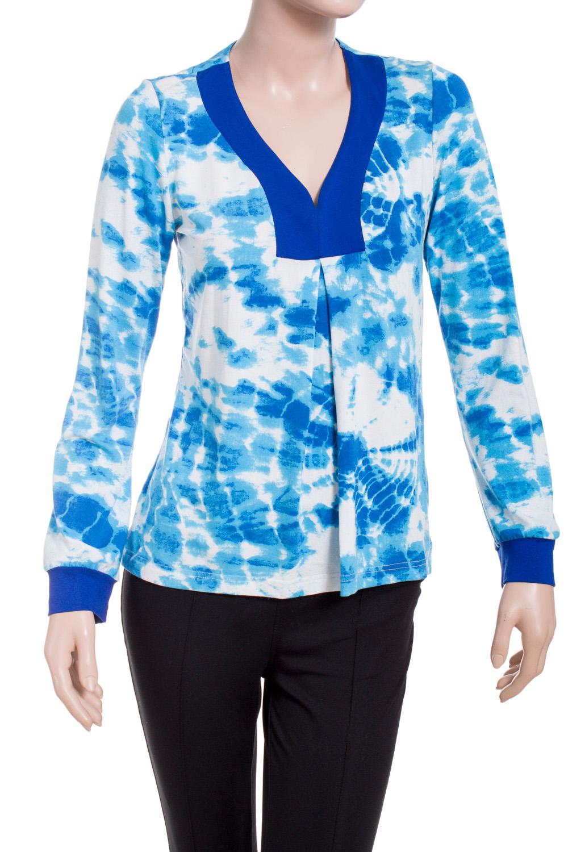 ДжемперДжемперы<br>Цветной джемпер с V-образной горловиной и длинными рукавами. Модель выполнена из приятного материала. Отличный выбор для повседневного гардероба.  В изделии использованы цвета: голубой, белый, синий  Ростовка изделия 170 см.<br><br>Горловина: V- горловина<br>Рукав: Длинный рукав<br>Материал: Вискоза,Трикотаж<br>Рисунок: С принтом,Цветные<br>Сезон: Весна,Зима,Осень<br>Силуэт: Полуприталенные<br>Стиль: Повседневный стиль<br>Элементы: С манжетами<br>Размер : 42-44<br>Материал: Вискоза<br>Количество в наличии: 1