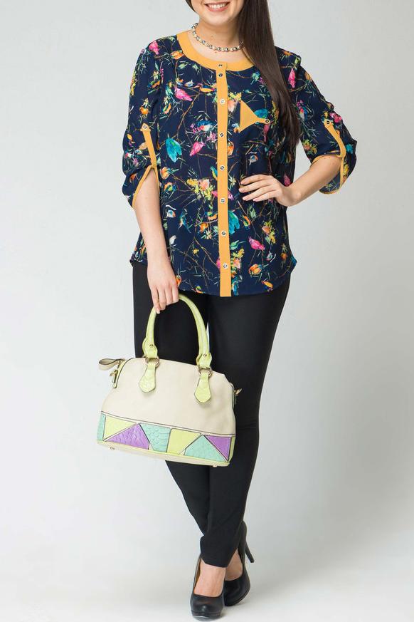 БлузкаБлузки<br>Цветная блузка свободного силуэта с рукавами 3/4. Модель выполнена из приятного материала. Отличный выбор для повседневного гардероба.  В изделии использованы цвета: синий, желтый и др.  Длина рукава 45-50 см. в зависимости от размера.  Длина изделия по спинке 70-72 см. в зависимости от размера.  Рост девушки-фотомодели 170 см<br><br>Горловина: С- горловина<br>Застежка: С пуговицами<br>По материалу: Вискоза,Тканевые<br>По образу: Город,Свидание<br>По рисунку: С принтом,Цветные,Животные мотивы<br>По сезону: Весна,Зима,Лето,Осень,Всесезон<br>По силуэту: Прямые<br>По стилю: Повседневный стиль<br>По элементам: С патами<br>Рукав: Рукав три четверти<br>Размер : 48,50,52,56,58<br>Материал: Блузочная ткань<br>Количество в наличии: 14