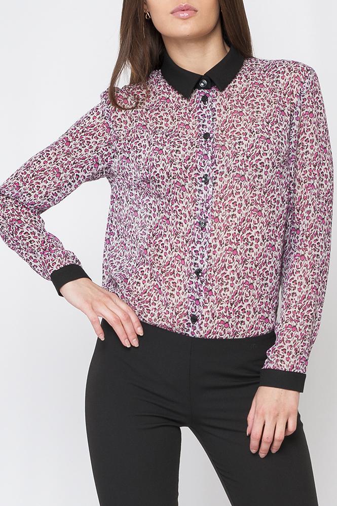РубашкаРубашки<br>Классическая женская рубашка с контрастными манжетами и воротничком. Модель выполнена из воздушного шифона. Отличный выбор для любого случая. Блузка без декоративного бантика.  Цвет: сиреневый, розовый черный  Параметры изделия: 44 размер: обхват по линии груди - 104 см, обхват по линии бедер - 106 см, длина изделия - 70 см;  54 размер: обхват по линии груди - 126 см, обхват по линии бедер - 128 см, длина изделия - 73 см.  Рост девушки-фотомодели 170 см<br><br>Воротник: Рубашечный<br>Застежка: С пуговицами<br>По материалу: Шифон<br>По рисунку: С принтом,Цветные<br>По сезону: Весна,Зима,Лето,Осень,Всесезон<br>По силуэту: Полуприталенные<br>По стилю: Повседневный стиль<br>По элементам: С манжетами<br>Рукав: Длинный рукав<br>Размер : 58<br>Материал: Шифон<br>Количество в наличии: 1