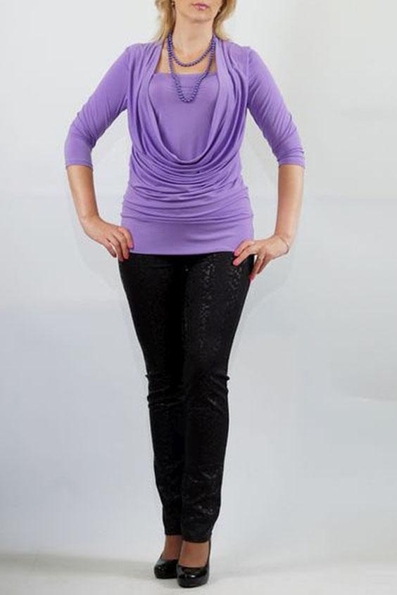 БлузкаБлузки<br>Яркий дизайн трикотажной блузы с эффектом двуслойности, отшита из пластичной ткани «холодное масло». Перед с глубокой качелью горловины и внутренней деталью, входящей в шов проймы и боковые швы. Модель красиво подчеркивает грудь и отлично скрывает недостатки в области талии. Спинка цельная, без отличительных особенностей. Рукава втачные, умеренной ширины, длиной 3/4. Низ блузы на притачной двойной манжете.  Длина изделия около 65 см.  Цвет: сиреневый  Ростовка изделия 170 см.<br><br>Горловина: Качель,Квадратная горловина<br>По материалу: Трикотаж<br>По рисунку: Однотонные<br>По сезону: Весна,Зима,Лето,Осень,Всесезон<br>По силуэту: Приталенные<br>По стилю: Повседневный стиль<br>По элементам: Со складками<br>Рукав: Рукав три четверти<br>Размер : 48,50,52,54,58<br>Материал: Холодное масло<br>Количество в наличии: 5