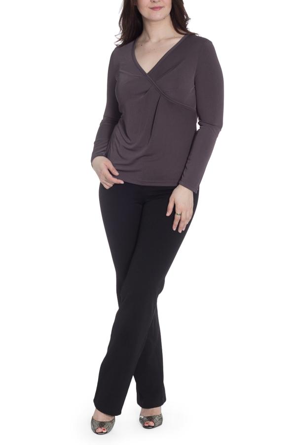 БлузкаБлузки<br>Однотонная блузка с V-образной горловиной и длинными рукавами. Модель выполнена из приятного материала. Отличный выбор для повседневного гардероба.  В изделии использованы цвета: серо-коричневый  Рост девушки-фотомодели 180 см.<br><br>Горловина: V- горловина<br>По материалу: Трикотаж<br>По рисунку: Однотонные<br>По сезону: Весна,Зима,Лето,Осень,Всесезон<br>По силуэту: Приталенные<br>По стилю: Повседневный стиль<br>По элементам: С декором,Со складками<br>Рукав: Длинный рукав<br>Размер : 46,48<br>Материал: Холодное масло<br>Количество в наличии: 2