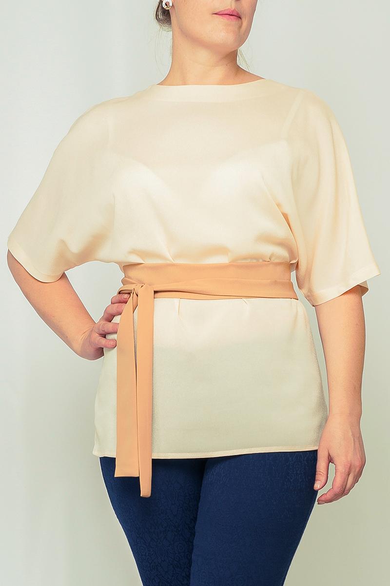 БлузкаБлузки<br>Лаконичная женская блузка с рукавом летучая мышь. Модель выполнена из приятной блузочной ткани. Блузка станет отличным дополнением к Вашему гардеробу. Блузка без пояса   Параметры изделия:  44 размер: длина по спинке - 66,5 см, обхват бедер - 100 см; 52 размер: длина по спинке - 71 см, обхват бедер - 116 см.  Цвет: бежевый<br><br>Горловина: С- горловина<br>По материалу: Тканевые<br>По образу: Офис,Свидание<br>По рисунку: Однотонные<br>По сезону: Весна,Всесезон,Зима,Лето,Осень<br>По силуэту: Свободные<br>По стилю: Офисный стиль,Повседневный стиль<br>По элементам: С декором<br>Рукав: До локтя<br>Размер : 42,44,46,48,50,52,56<br>Материал: Блузочная ткань<br>Количество в наличии: 10