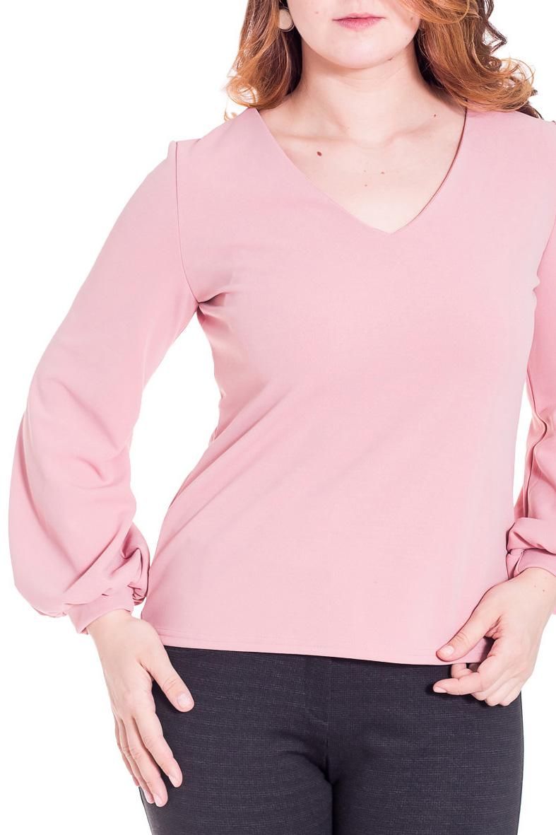 БлузкаБлузки<br>Элегантная блуза свободного прилегания из комфортного материала с длинным рукавом, присборенным на манжету и V-образным вырезом горловины.  Цвет: розовый  Рост девушки-фотомодели 180 см<br><br>Горловина: V- горловина<br>По материалу: Трикотаж<br>По рисунку: Однотонные<br>По сезону: Весна,Всесезон,Зима,Лето,Осень<br>По силуэту: Полуприталенные<br>По стилю: Повседневный стиль<br>Рукав: Длинный рукав<br>Размер : 44-46,56-58<br>Материал: Трикотаж<br>Количество в наличии: 3