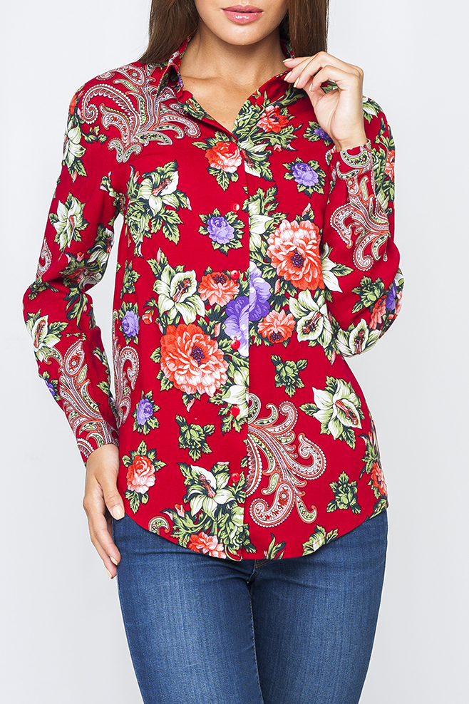 БлузкаБлузки<br>Цветная блузка с длинными рукавами и застежкой на пуговицы. Модель выполнена из приятного материала. Отличный выбор для повседневного гардероба.  Параметры изделия:  44 размер: обхват по линии груди - 104 см, обхват по линии бедер - 106 см, длина изделия - 70 см;  54 размер: обхват по линии груди - 126 см, обхват по линии бедер - 128 см, длина изделия - 73 см  Цвет: красный, мультицвет  Рост девушки-фотомодели 170 см<br><br>Воротник: Рубашечный<br>Застежка: С пуговицами<br>По материалу: Хлопок<br>По рисунку: Растительные мотивы,С принтом,Цветные,Цветочные<br>По сезону: Весна,Зима,Лето,Осень,Всесезон<br>По силуэту: Полуприталенные<br>По стилю: Повседневный стиль<br>По элементам: С манжетами<br>Рукав: Длинный рукав<br>Размер : 48,50,56<br>Материал: Хлопок<br>Количество в наличии: 4