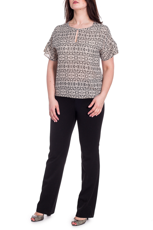 БлузкаБлузки<br>Красивая блузка с вырезом quot;капелькаquot;. Модель выполнена из воздушного шифона. Отличный выбор для повседневного гардероба.  Ростовка изделия 167-173 см.  В изделии использованы цвета: молочный, черный  Длина изделия по спинке 60 см.  Параметры размеров: 42 размер - обхват груди 84 см., обхват талии 64 см., обхват бедер 92 см. 44 размер - обхват груди 88 см., обхват талии 68 см., обхват бедер 96 см. 46 размер - обхват груди 92 см., обхват талии 72 см., обхват бедер 100 см. 48 размер - обхват груди 96 см., обхват талии 76 см., обхват бедер 104 см. 50 размер - обхват груди 100 см., обхват талии 80 см., обхват бедер 108 см. 52 размер - обхват груди 104 см., обхват талии 85 см., обхват бедер 112 см. 54 размер - обхват груди 108 см., обхват талии 89 см., обхват бедер 116 см. 56 размер - обхват груди 112 см., обхват талии 94 см., обхват бедер 120 см. 58 размер - обхват груди 116 см., обхват талии 100 см., обхват бедер 124 см.  Рост девушки-фотомодели 180 см.<br><br>Горловина: С- горловина<br>По материалу: Шифон<br>По рисунку: С принтом,Цветные<br>По сезону: Весна,Зима,Лето,Осень,Всесезон<br>По силуэту: Полуприталенные<br>По стилю: Повседневный стиль<br>Рукав: Короткий рукав<br>Размер : 48,50,52,54,56,58<br>Материал: Шифон<br>Количество в наличии: 6
