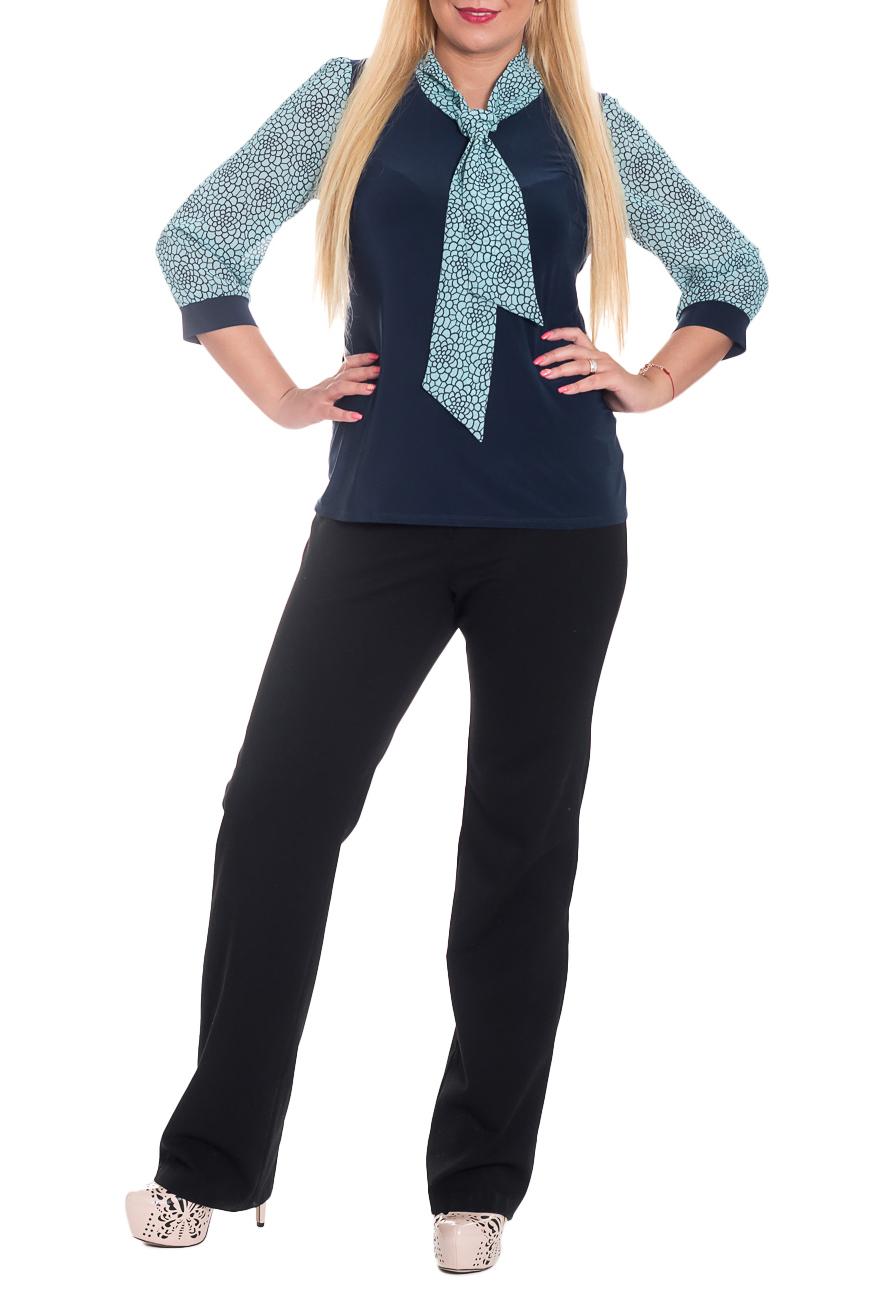 БлузкаБлузки<br>Классическая женская блузка - это универсальный предмет одежды, в котором можно пойти как на работу, так и на свидание.  Блузка приталенного силуэта. На спинке средний шов. Воротник quot;шарфquot;. Рукав втачной, со сборкой по окату и низу, с зауженной линией плеча и притачной манжетой, 3/4.  Цвет: синий, голубой.  Длина рукава - 47 ± 1 см  Рост девушки-фотомодели 170 см  Длина изделия - 62 ± 1 см<br><br>Воротник: Фантазийный<br>По материалу: Трикотаж,Шифон<br>По рисунку: Цветные,С принтом<br>По сезону: Весна,Зима,Лето,Осень,Всесезон<br>По силуэту: Приталенные<br>По стилю: Повседневный стиль<br>По элементам: С воротником,С декором,С манжетами<br>Рукав: Рукав три четверти<br>Размер : 50,52,54<br>Материал: Трикотаж + Шифон<br>Количество в наличии: 5