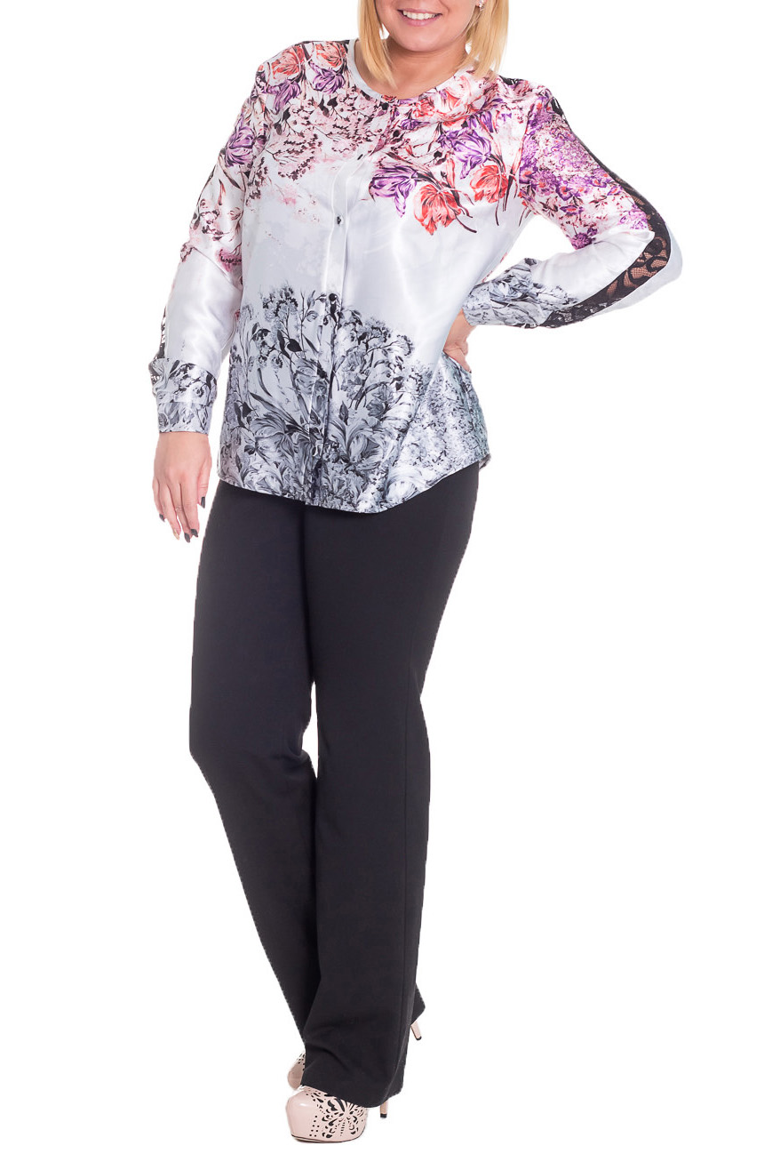 БлузкаБлузки<br>Шикарная женская блузка из струящегося шелка и кружевными вставками.   Блузка прямого силуэта с фигурным низом. На передней части изделия застежка на планку с пуговицами. Горловина окантована. Рукав втачной, длинный, со вставкой по центру, притачной манжет с застежкой на пуговицу.  Цвет: на белом фоне сиренево-розовые и серые цветы.  Длина рукава - 63 ± 1 см  Рост девушки-фотомодели 170 см  Длина изделия - 68 ± 2 см<br><br>По образу: Выход в свет,Город,Свидание<br>По стилю: Нарядный стиль,Повседневный стиль,Романтический стиль<br>По материалу: Шелк<br>По рисунку: Растительные мотивы,С принтом,Цветные,Цветочные<br>По сезону: Зима,Всесезон,Лето,Осень,Весна<br>По силуэту: Прямые<br>По элементам: С манжетами,С фигурным низом<br>Рукав: Длинный рукав<br>Горловина: С- горловина<br>Застежка: С пуговицами<br>Размер: 50,52,54,56,58,46,48<br>Материал: 100% полиэстер<br>Количество в наличии: 44