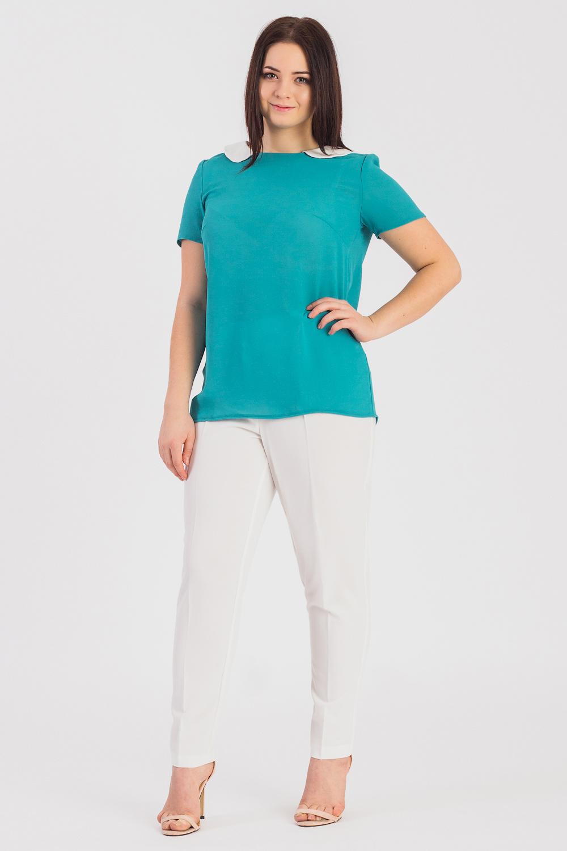 БлузкаБлузки<br>Классическая женская блузка из приятного к телу трикотажа станет основой Вашего повседневного гардероба.Женская блузка полуприлегающего силуэта с нагрудными вытачками. На спинке средний шов. Отложной воротник. Рукав втачной, короткий.Цвет: бирюзовый с белым.Длина рукава - 21 ± 1 смРост девушки-фотомодели 170 смДлина изделия - 65 ± 2 см<br><br>Воротник: Отложной<br>Горловина: С- горловина<br>Рукав: Короткий рукав<br>Материал: Трикотаж<br>Рисунок: Однотонные<br>Сезон: Весна,Всесезон,Зима,Лето,Осень<br>Силуэт: Полуприталенные<br>Стиль: Классический стиль,Кэжуал,Офисный стиль,Повседневный стиль<br>Элементы: С воротником,С декором<br>Размер : 48,50,52,54,56,58<br>Материал: Трикотаж<br>Количество в наличии: 43