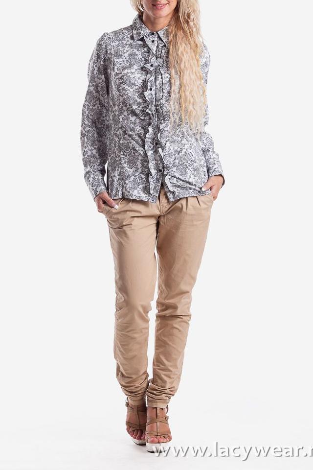 РубашкаРубашки<br>Блузка полуприлегающего силуэта . Рукав длинный на  широкой манжете. На переде и на спинке кокетка. На переде расположен  рельеф с выходящей из него сборкой. Планка отрезная, в которую вставлена рюша по всей длине. На спинке рельефы, выходящие из кокетки.  Воротник отложной со стойкой.   Длина рукава - 60 см   Длина изделия:  44 размер - 58 см  46 размер - 59 см  48 размер - 60 см  50 размер - 61 см  52 размер - 62 см  54 размер - 63 см<br><br>По образу: Город,Офис,Свидание<br>По стилю: Классический стиль,Повседневный стиль,Кэжуал,Романтический стиль,Молодежный стиль,Нарядный стиль,Офисный стиль<br>По материалу: Хлопок<br>По рисунку: Растительные мотивы,Цветные,Цветочные<br>По сезону: Зима,Лето,Осень,Весна,Всесезон<br>По силуэту: Полуприталенные<br>По элементам: Со складками,С манжетами,С декором<br>Воротник: Стояче-отложной<br>Рукав: Длинный рукав<br>Застежка: С пуговицами<br>Размер: 50,52,54,44,46,48<br>Материал: 50% хлопок 50% полиэстер<br>Количество в наличии: 1