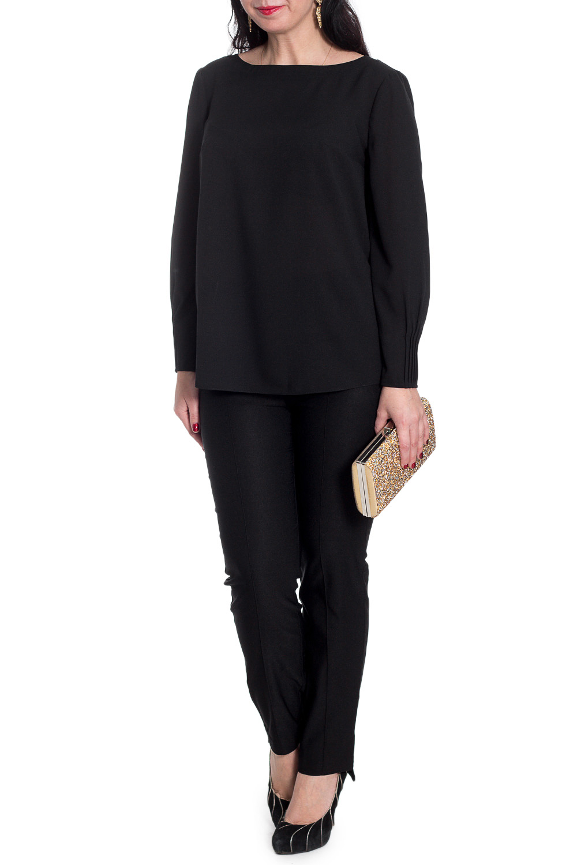 БлузкаБлузки<br>Классическая женская блузка из приятного к телу материала станет основой Вашего повседневного гардероба.  Блузка прямого силуэта. На спинке средний шов. Горловина обработана двойной обтачкой. Рукав втачной, 7/8, с защипами по низу.  Цвет: черный.  Длина рукава (от конечной плечевой точки) - 57 ± 1 см  Рост девушки-фотомодели 170 см  Длина изделия: 46 размер - 63 ± 2 см 48 размер - 63 ± 2 см 50 размер - 63 ± 2 см 52 размер - 63 ± 2 см 54 размер - 65 ± 2 см 56 размер - 65 ± 2 см 58 размер - 65 ± 2 см<br><br>Горловина: Лодочка<br>По материалу: Блузочная ткань,Тканевые<br>По рисунку: Однотонные<br>По сезону: Весна,Зима,Лето,Осень,Всесезон<br>По силуэту: Прямые<br>По стилю: Классический стиль,Кэжуал,Офисный стиль,Повседневный стиль<br>По элементам: Со складками<br>Рукав: Длинный рукав<br>Размер : 48,50,52<br>Материал: Блузочная ткань<br>Количество в наличии: 3