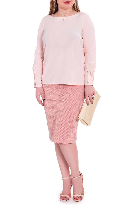 БлузкаБлузки<br>Классическая женская блузка из приятного к телу материала станет основой Вашего повседневного гардероба.  Блузка прямого силуэта. На спинке средний шов. Горловина обработана двойной обтачкой. Рукав втачной, 7/8, с защипами по низу.  Цвет: розовый.  Длина рукава (от конечной плечевой точки) - 57 ± 1 см  Рост девушки-фотомодели 170 см  Длина изделия: 46 размер - 63 ± 2 см 48 размер - 63 ± 2 см 50 размер - 63 ± 2 см 52 размер - 63 ± 2 см 54 размер - 65 ± 2 см 56 размер - 65 ± 2 см 58 размер - 65 ± 2 см  При создании образа, который Вы видите на фотографии, также была использована стильная сумка SMK1116. Для просмотра модели введите артикул в строке поиска.<br><br>Горловина: Лодочка<br>По материалу: Блузочная ткань,Тканевые<br>По рисунку: Однотонные<br>По сезону: Весна,Зима,Лето,Осень,Всесезон<br>По силуэту: Прямые<br>По стилю: Классический стиль,Кэжуал,Офисный стиль,Повседневный стиль,Романтический стиль<br>По элементам: Со складками<br>Рукав: Длинный рукав<br>Размер : 48,50,52,54,56,58<br>Материал: Блузочная ткань<br>Количество в наличии: 34