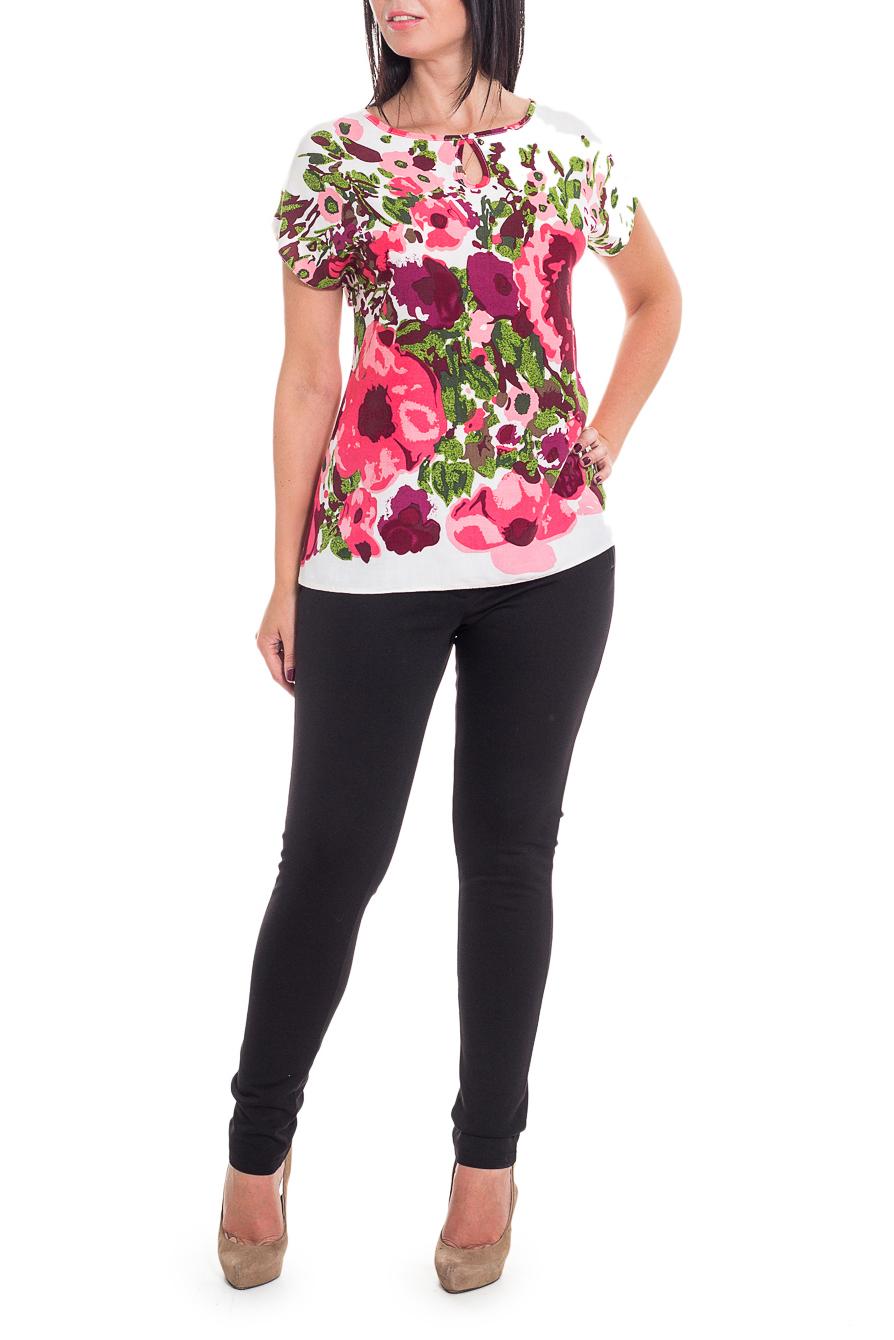 БлузкаБлузки<br>Очаровательная женственная блузка свободного силуэта со спущенным плечом, горловина окантована, спереди вырез quot;капелькаquot;.  В изделии использованы цвета: белый, розовый, зеленый и др.  Длина рукава - 20 ± 1 см   Рост девушки-фотомодели 170 см  Длина изделия:  48 размер - 54 ± 2 см 50 размер - 56 ± 2 см  52 размер - 58 ± 2 см  54 размер - 60 ± 2 см  56 размер - 62 ± 2 см 58 размер - 64 ± 2 см<br><br>Горловина: С- горловина<br>По материалу: Хлопок<br>По рисунку: Растительные мотивы,С принтом,Цветные,Цветочные<br>По сезону: Весна,Зима,Лето,Осень,Всесезон<br>По силуэту: Свободные<br>По стилю: Летний стиль,Повседневный стиль,Романтический стиль<br>По элементам: С декором<br>Рукав: Короткий рукав<br>Размер : 50,52<br>Материал: Плательно-блузочная ткань<br>Количество в наличии: 3