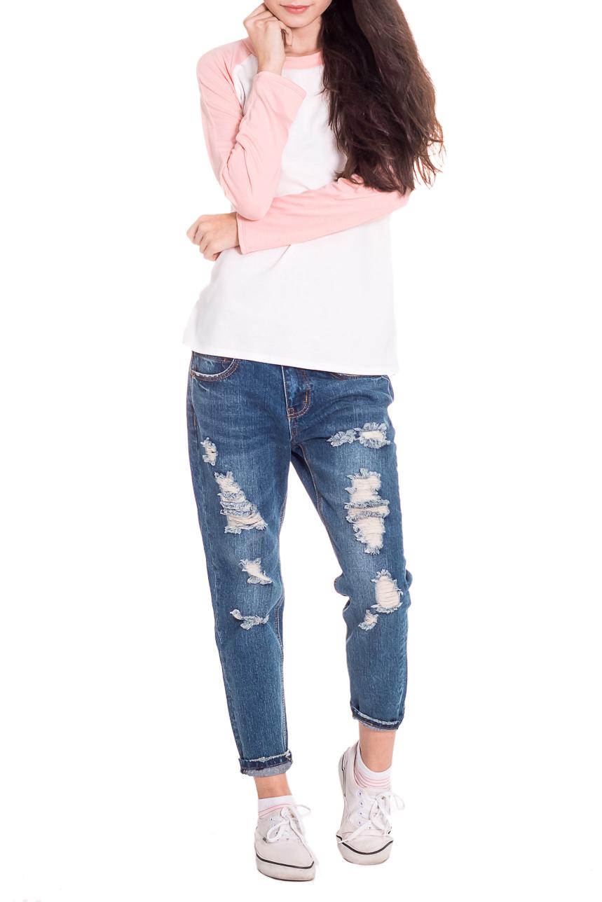 ЛонгсливЛонгсливы<br>Лонгслив - это хорошая базовая вещь, которую достаточно легко сочетать с джинсами, брюками, шортами, его можно носить под кардиган, пиджак или жакет. Лонгслив прямого силуэта. Горловина обработана бейкой. Рукав реглан, длинный. Цвет: розовый персик и белый.  Длина рукава - 60 ± 1 см  Рост девушки-фотомодели 174 см  Длина изделия - 62 ± 2 см<br><br>Горловина: С- горловина<br>По материалу: Вискоза,Трикотаж<br>По рисунку: Однотонные<br>По сезону: Весна,Осень<br>По силуэту: Прямые<br>По стилю: Кэжуал,Молодежный стиль,Повседневный стиль<br>Рукав: Длинный рукав<br>Размер : 48,50,52<br>Материал: Вискоза<br>Количество в наличии: 4