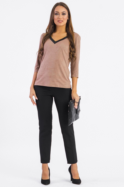 БлузкаБлузки<br>Универсальная женская блузка из приятного к телу материала станет основой Вашего повседневного гардероба. Изделие выполнено из приятной мягкой ткани с имитацией под quot;замшуquot;, при этом блузка прослужит Вам не один сезон.  Блузка полуприлегающего силуэта. На спинке средний шов. Горловина обработана обтачкой из кожи. Рукав втачной, 3/4.  Цвет: светло-коричневый.  Длина рукава - 41 ± 1 см  Рост девушки-фотомодели 168 см  Длина изделия - 58 ± 2 см  При создании образа, который Вы видите на фотографии, также были использованы стильные брюки арт. B1116(3035-2478). Для просмотра модели введите артикул в строке поиска.<br><br>Горловина: V- горловина<br>По материалу: Замша<br>По рисунку: Однотонные<br>По сезону: Зима,Осень,Весна<br>По силуэту: Полуприталенные<br>По стилю: Классический стиль,Кэжуал,Офисный стиль,Повседневный стиль<br>По элементам: С вырезом,С декором,Со складками,С кожаными вставками<br>Рукав: Рукав три четверти<br>Размер : 42,44,46,48<br>Материал: Искусственная кожа + Искусственная замша<br>Количество в наличии: 7