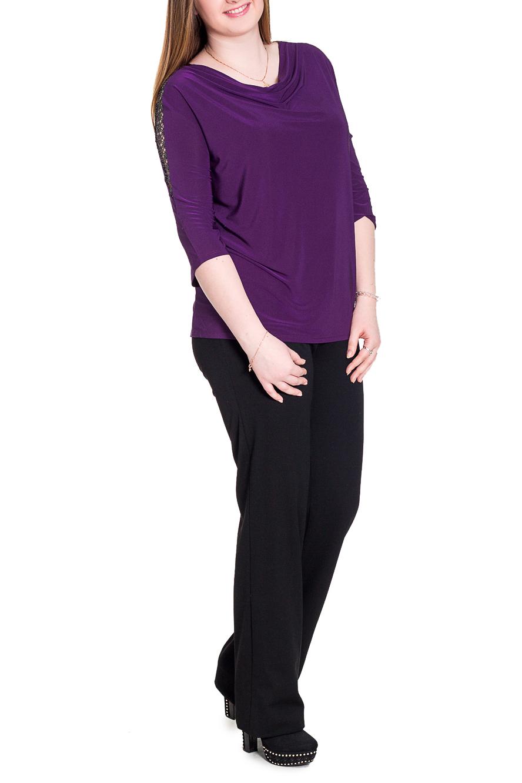 БлузкаБлузки<br>Изысканная женская блузка – это универсальный предмет одежды, в котором можно пойти и на работу, и на свидание, и на вечеринку.  Блузка свободного кроя со вставками по плечам и спинке. На спинке средний шов. Горловина качель, на спинке окантована. Рукав рубашечный, 3/4. Цвет: фиолетовый.  Длина рукава (от конечной плечевой точки) - 41 ± 1 см  Рост девушки-фотомодели 171 см  Длина изделия - 68 ± 2 см<br><br>Горловина: Качель<br>По материалу: Гипюр,Трикотаж<br>По образу: Город,Офис,Свидание<br>По рисунку: Однотонные<br>По сезону: Весна,Всесезон,Зима,Лето,Осень<br>По силуэту: Свободные<br>По стилю: Нарядный стиль,Повседневный стиль<br>По элементам: С декором,С открытой спиной,Со складками<br>Рукав: Рукав три четверти<br>Размер : 60,62,64,66,68,70<br>Материал: Холодное масло + Гипюр<br>Количество в наличии: 26