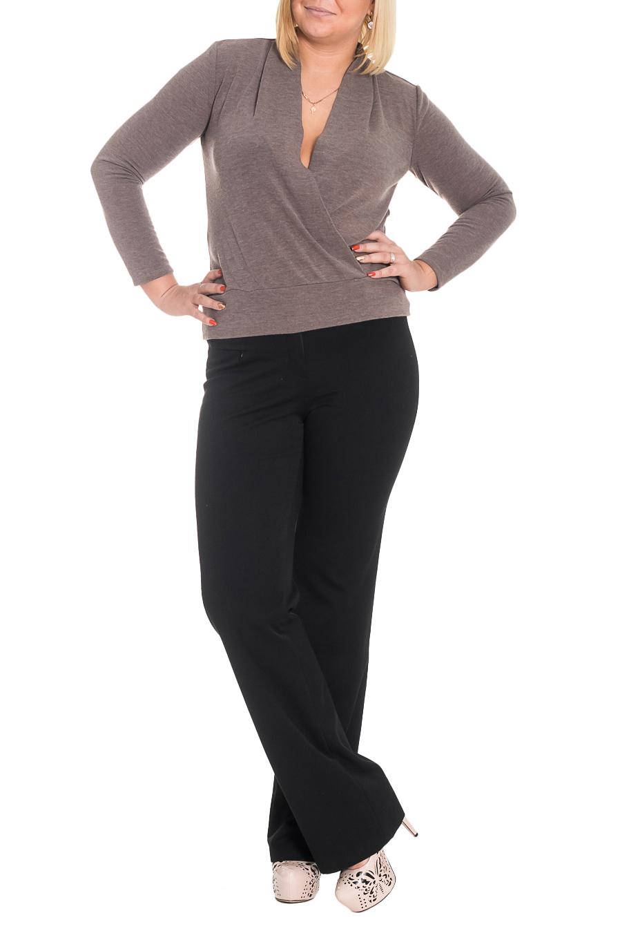 ПуловерДжемперы<br>Стильный пуловер прямого силуэта на запах. На спинке средний шов. По низу изделия планка. Борта обработаны обтачками. Воротник цельнокроенная стойка. Рукав втачной, длинный. Цвет: серо-коричневый.  Длина рукава - 60 ± 1 см  Рост девушки-фотомодели 170 см  Длина изделия: 44 размер - 62 ± 2 см 46 размер - 62 ± 2 см 48 размер - 62 ± 2 см 50 размер - 62 ± 2 см 52 размер - 65 ± 2 см 54 размер - 65 ± 2 см 56 размер - 65 ± 2 см<br><br>Горловина: V- горловина<br>По материалу: Трикотаж<br>По рисунку: Однотонные<br>По сезону: Зима,Осень,Весна<br>По силуэту: Полуприталенные,Прямые<br>По стилю: Классический стиль,Кэжуал,Повседневный стиль<br>По элементам: С декором,Со складками<br>Рукав: Длинный рукав<br>Размер : 46,50<br>Материал: Трикотаж<br>Количество в наличии: 9