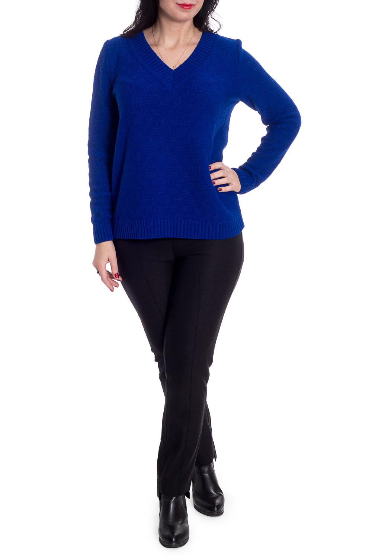 ПуловерДжемперы<br>Однотонный пуловер прямого силуэта с V-образным вырезом и длинными рукавами. Модель выполнена из вязаного трикотажа. Вязаный трикотаж - это красота, тепло и комфорт. В вязаных вещах очень легко оставаться женственной и в то же время не замёрзнуть.  Пуловер прямого силуэта. Горловина V-образная, обработана широкой бейкой. Рукав втачной, длинный.  Цвет: синий.  Длина рукава - 60 ± 1 см  Рост девушки-фотомодели 170 см  Длина изделия - 59 ± 2 см  При создании образа, который Вы видите на фотографии, также был использован стильный жакет арт. GK0615. Для просмотра модели введите артикул в строке поиска.<br><br>Горловина: V- горловина<br>По материалу: Вязаные<br>По рисунку: Однотонные<br>По сезону: Весна,Осень,Зима<br>По силуэту: Прямые<br>По стилю: Кэжуал,Повседневный стиль<br>Рукав: Длинный рукав<br>Размер : 50<br>Материал: Пряжа<br>Количество в наличии: 1