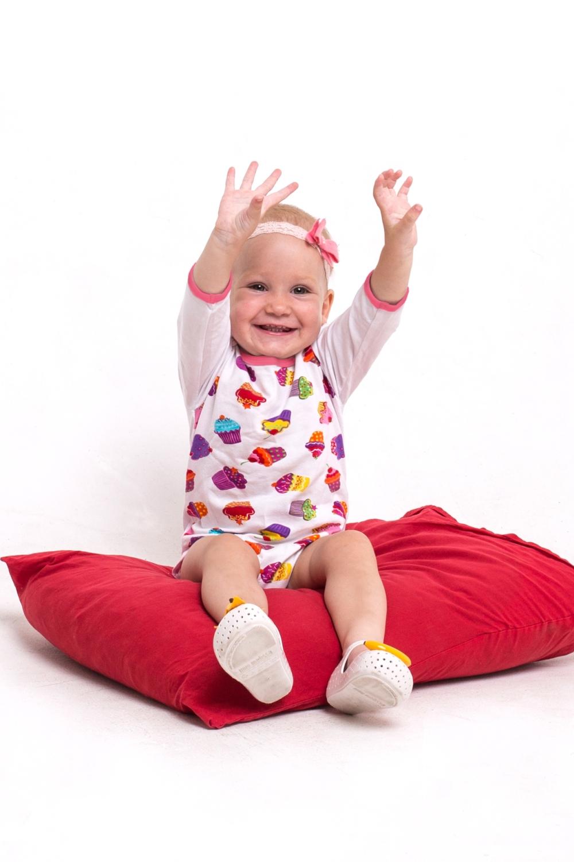 БодиКофточки<br>Хлопковое боди для ребенка.  В изделии использованы цвета: белый, розовый и др.  Размер соответствует росту ребенка<br><br>Горловина: С- горловина<br>По возрасту: Ясельные ( от 1 до 3 лет)<br>По материалу: Хлопковые<br>По образу: Повседневные<br>По рисунку: С принтом (печатью),Цветные<br>По сезону: Весна,Зима,Лето,Осень,Всесезон<br>По силуэту: Полуприталенные<br>Рукав: Длинный рукав<br>Размер : 62,68,74,80,86,92<br>Материал: Хлопок<br>Количество в наличии: 6