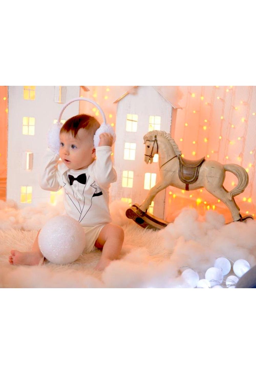 БодиКофточки<br>Хлопковое боди для новорожденного  В изделии использованы цвета: белый, черный  Размер соответствует росту ребенка<br><br>Горловина: С- горловина<br>По возрасту: Ясельные ( от 1 до 3 лет)<br>По материалу: Хлопковые<br>По образу: Повседневные<br>По рисунку: Однотонные,С принтом (печатью)<br>По сезону: Весна,Зима,Лето,Осень,Всесезон<br>По силуэту: Полуприталенные<br>Рукав: Длинный рукав<br>Размер : 62-68,68-74,74-80,80-86<br>Материал: Хлопок<br>Количество в наличии: 19