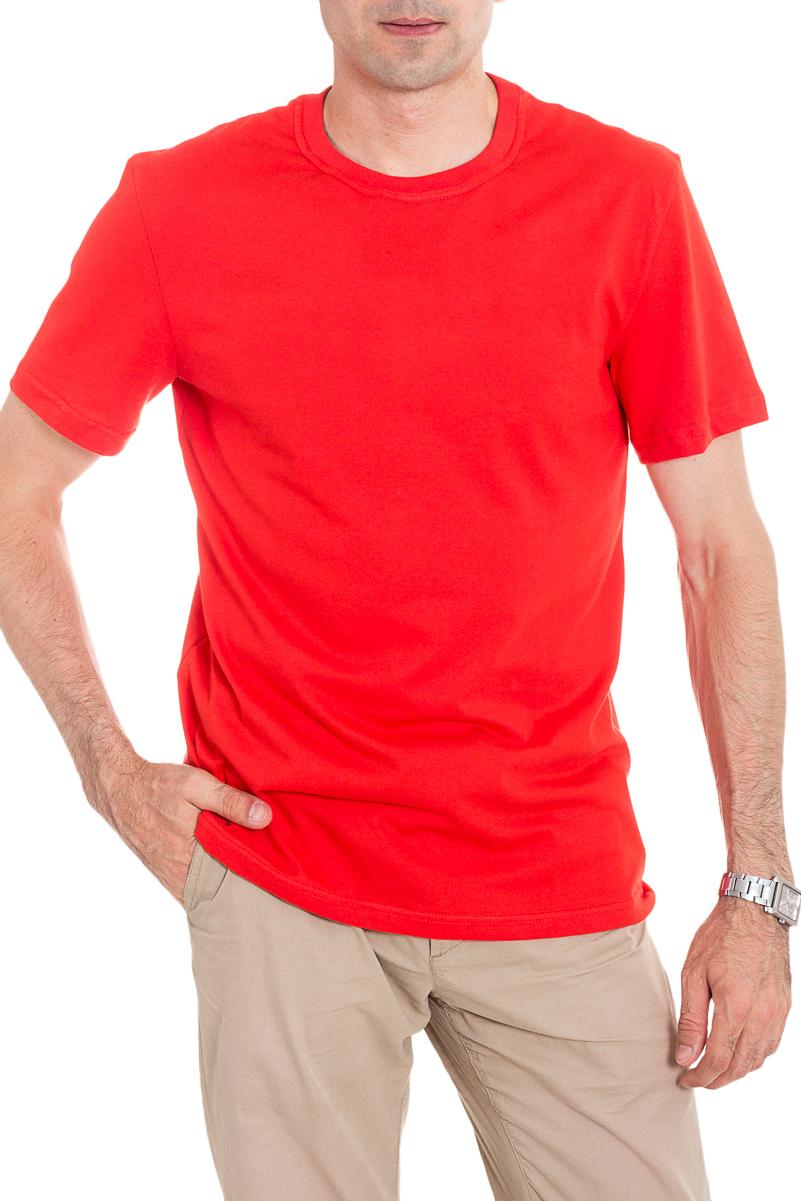 ФутболкаФутболки<br>Мужская хлопковая футболка с короткими рукавами. Отличный выбор для базового гардероба.   Цвет: красный  Рост мужчины-фотомодели 177 см<br><br>По сезону: Всесезон<br>Размер : 46,48,50,52,54,56<br>Материал: Хлопок<br>Количество в наличии: 37