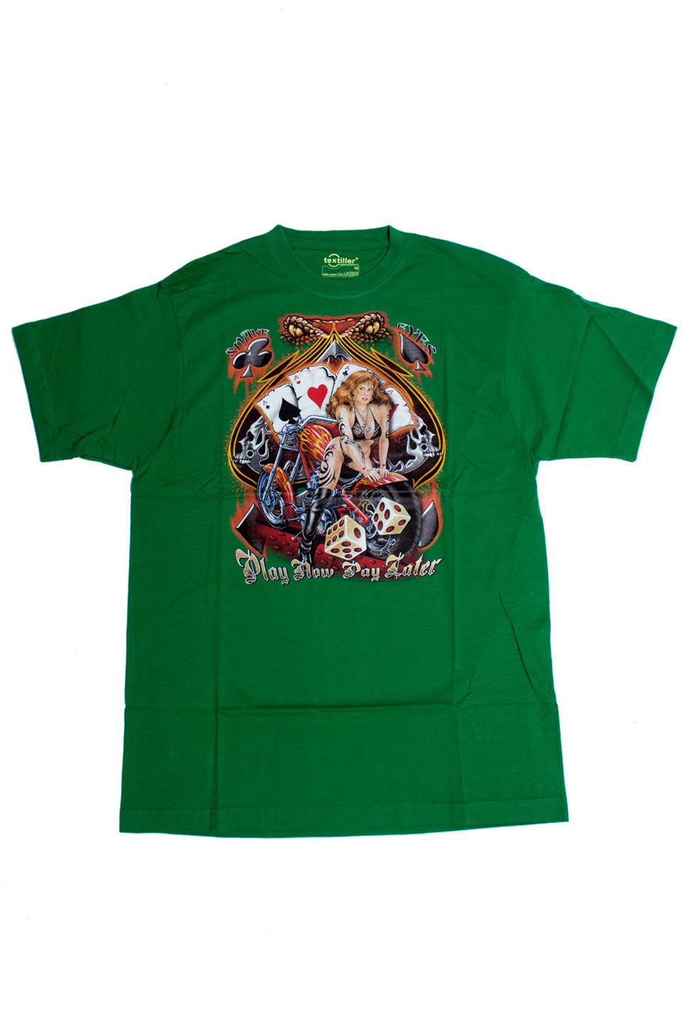 ФутболкаФутболки<br>Качественная мужская футболка пошитая из кулирной пряжи по новой технологии без боковых швов и состоит из 100% хлопка.  В изделии использованы цвета: зеленый и др.  Ростовка изделия 175-180 см<br><br>По сезону: Всесезон<br>Размер : 48<br>Материал: Трикотаж<br>Количество в наличии: 1