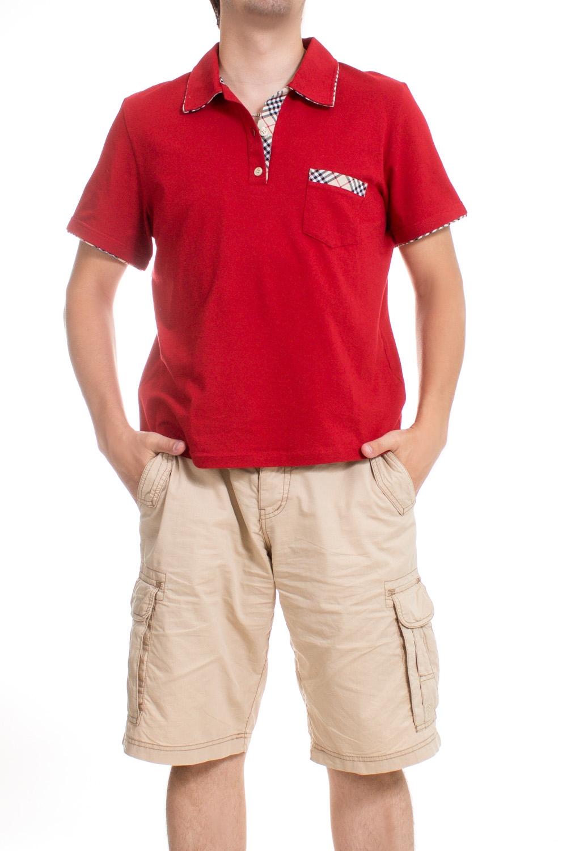 ФутболкаФутболки<br>Оригинальная футболка поло выполнена из высококачественного материала. Незаменимая модель в гардеробе каждого мужчины. Идеально будет сочетаться с джинсами.  Цвет: красный  Ростовка изделия 175-180 см.<br><br>По сезону: Всесезон<br>Размер : 50,52<br>Материал: Хлопок<br>Количество в наличии: 2