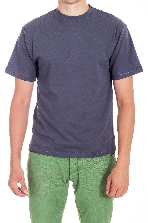 ФутболкаФутболки<br>Классическая модель свободного покроя. Короткий рукав и круглый вырез. Горловина отделана планкой из ткани в мелкий рубчик (рибана). Плечи усилены и отстрочены. Двойная отстрочка вдоль горловины и пройм.  Цвет: синий  Ростовка изделия 176 см.<br><br>По сезону: Всесезон<br>Размер : 44<br>Материал: Хлопок<br>Количество в наличии: 3