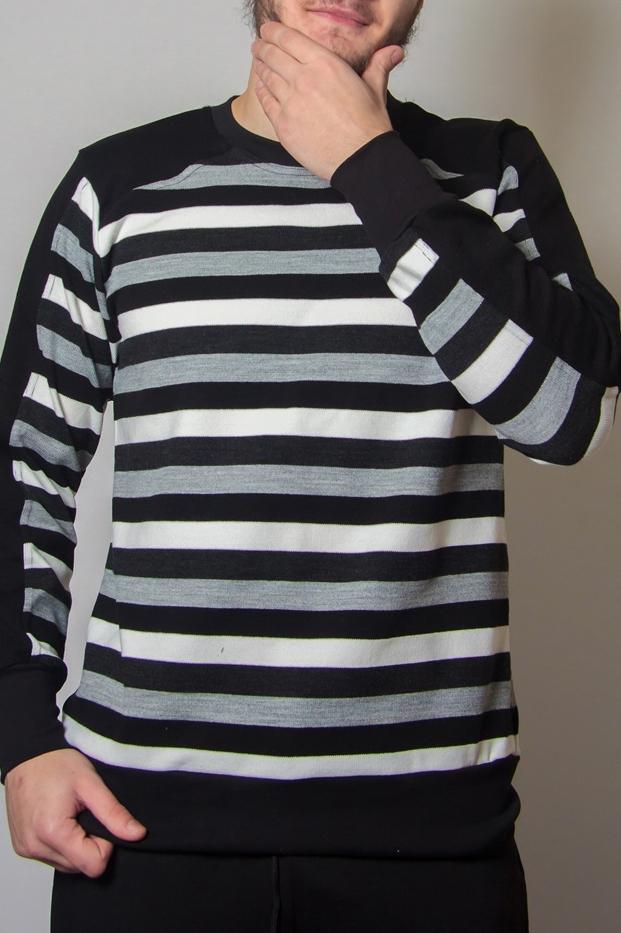 ДжемперДжемперы<br>Уютный мужской джемпер с длинными рукавами. Отличный выбор для повседневного гардероба.  В изделии использованы цвета: черный, серый, белый.<br><br>По сезону: Осень,Весна<br>Размер : 46,54<br>Материал: Вязаное полотно<br>Количество в наличии: 3
