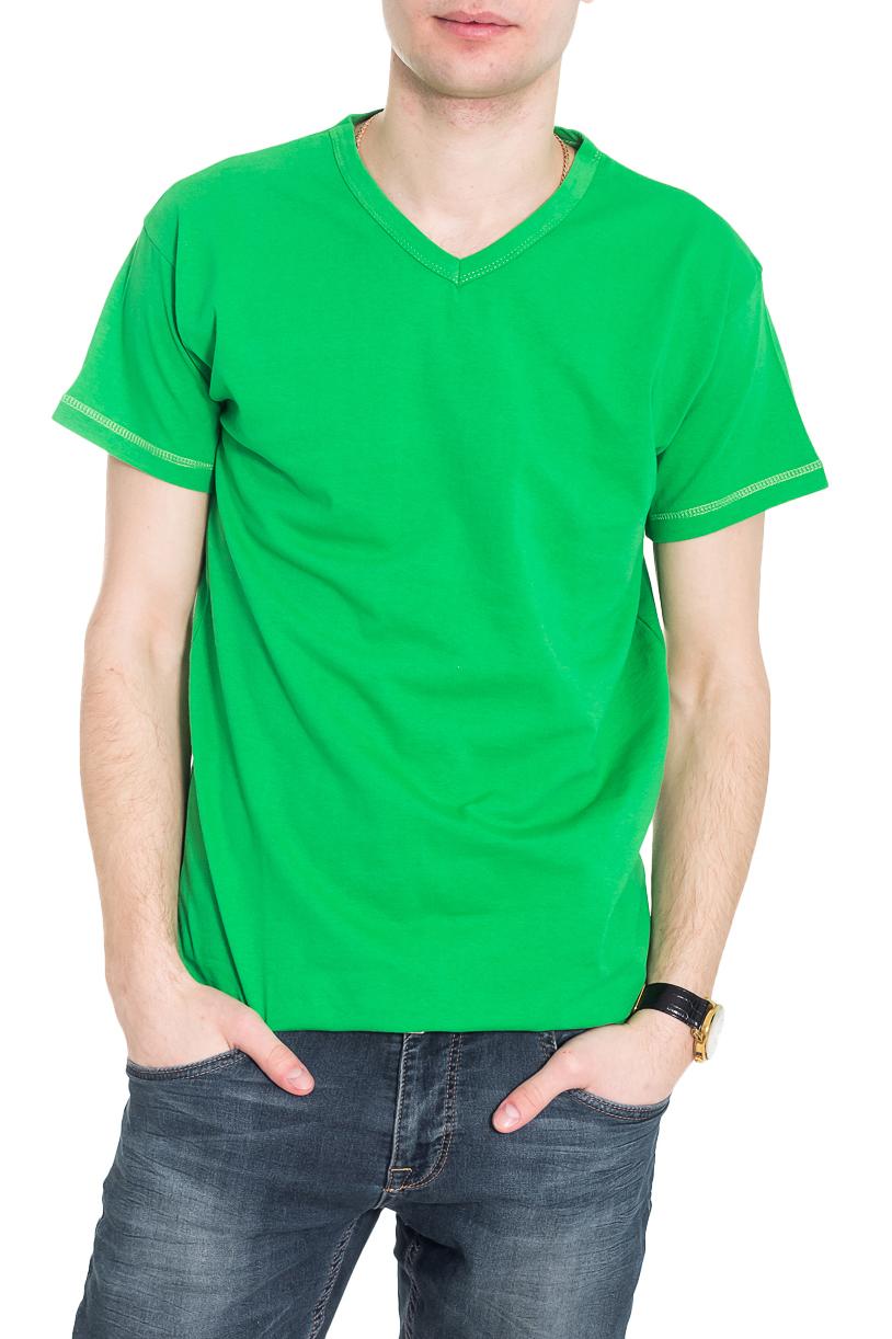 ФутболкаФутболки<br>Однотонная футболка с V-образной горловиной и короткими рукавами. Отличный выбор для базового гардероба.  Цвет: зеленый  Рост мужчины-фотомодели 182 см<br><br>По сезону: Всесезон<br>Размер : 46,48<br>Материал: Хлопок<br>Количество в наличии: 4