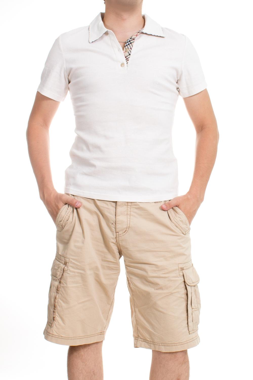 ФутболкаФутболки<br>Оригинальная футболка поло выполнена из высококачественного материала. Незаменимая модель в гардеробе каждого мужчины. Идеально будет сочетаться с джинсами.  Цвет: белый  Ростовка изделия 175-180 см.<br><br>По сезону: Всесезон<br>Размер : 46<br>Материал: Лен<br>Количество в наличии: 1