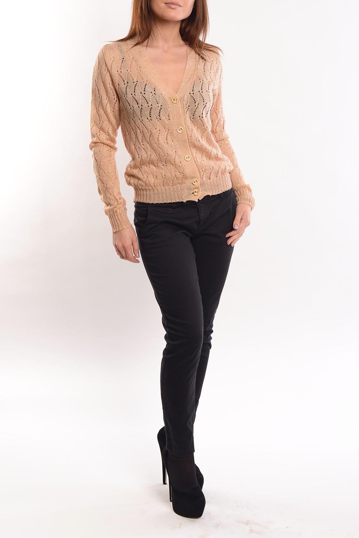 ЖакетКардиганы<br>Жакет классического фасона с утонченным ажурным плетением. Всегда модный и актуальный.  Его можно носить отдельным предметом или дополнением ансамбля на водолазку, топ или блузу.   Длина изделия 53 см.   Цвет: бежевый  Ростовка изделия 170 см.<br><br>Горловина: V- горловина<br>Застежка: С пуговицами<br>По длине: Средней длины<br>По материалу: Вязаные<br>По образу: Город,Свидание<br>По рисунку: Однотонные<br>По сезону: Весна,Зима,Лето,Осень,Всесезон<br>По силуэту: Полуприталенные<br>По стилю: Повседневный стиль<br>По элементам: С манжетами<br>Рукав: Длинный рукав<br>Размер : 46<br>Материал: Вязаное полотно<br>Количество в наличии: 1