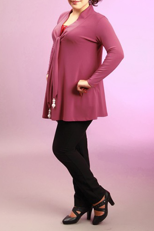КардиганКардиганы<br>Женский кардиган с V-образным вырезом и длинными рукавами. Модель выполнена из мягкой вискозы. Отличный выбор для повседневного и делового гардероба.  За счет свободного кроя и эластичного материала изделие можно носить во время беременности  Цвет: темно-розовый<br><br>Горловина: V- горловина<br>По материалу: Вискоза,Трикотаж<br>По рисунку: Однотонные<br>По сезону: Весна,Зима,Осень<br>По силуэту: Свободные<br>По элементам: С декором,С поясом,С вырезом<br>Рукав: Длинный рукав<br>По стилю: Молодежный стиль,Повседневный стиль<br>По длине: Средней длины<br>Размер : 52<br>Материал: Вискоза<br>Количество в наличии: 1