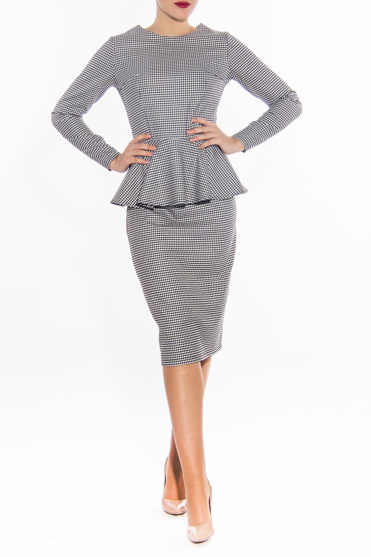 КостюмКостюмы<br>Модный костюм состоит из блузки и юбки. Юбка карандаш ниже колена, блузка с длинными рукавами и баской. Модель выполнена из приятной костюмной ткани.  Цвет: белый, черный  Длина по спинке жакет: 44 размер - 56 см 46 размер - 57 см 48 размер - 57,5 см 50 размер - 58 см 52 размер - 58,5 см 54 размер - 59 см  Длина рукава жакет: 44 размер - 60 см 46 размер - 60 см 48 размер - 60 см 50 размер - 60 см 52 размер - 60 см 54 размер - 60 см  Длина юбка: 44 размер - 70 см 46 размер - 70 см 48 размер - 71 см 50 размер - 71 см 52 размер - 72 см 54 размер - 72 см<br><br>Горловина: С- горловина<br>По длине: Ниже колена<br>По материалу: Тканевые<br>По образу: Город,Офис,Свидание<br>По рисунку: Цветные<br>По сезону: Весна,Осень<br>По силуэту: Приталенные<br>По стилю: Повседневный стиль<br>По форме: Костюм двойка,Юбочные<br>По элементам: С баской<br>Рукав: Длинный рукав<br>Размер : 44,46,48,50,52,54<br>Материал: Костюмная ткань<br>Количество в наличии: 1