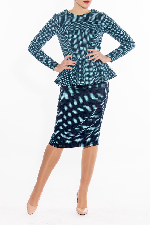 КостюмКостюмы<br>Модный костюм состоит из блузки и юбки. Юбка quot;карандашquot; ниже колена, блузка с длинными рукавами и баской. Модель выполнена из приятной костюмной ткани.  Цвет: голубой, синий  Длина по спинке жакет: 44 размер - 56 см 46 размер - 57 см 48 размер - 57,5 см 50 размер - 58 см 52 размер - 58,5 см 54 размер - 59 см  Длина рукава жакет: 44 размер - 60 см 46 размер - 60 см 48 размер - 60 см 50 размер - 60 см 52 размер - 60 см 54 размер - 60 см  Длина юбка: 44 размер - 70 см 46 размер - 70 см 48 размер - 71 см 50 размер - 71 см 52 размер - 72 см 54 размер - 72 см<br><br>Горловина: С- горловина<br>По длине: Ниже колена<br>По материалу: Тканевые<br>По рисунку: Цветные<br>По сезону: Весна,Осень<br>По силуэту: Приталенные<br>По стилю: Повседневный стиль<br>По форме: Костюм двойка,Юбочный костюм<br>По элементам: С баской<br>Рукав: Длинный рукав<br>Размер : 46<br>Материал: Костюмная ткань<br>Количество в наличии: 1