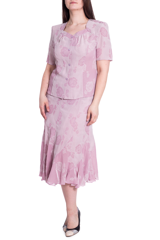 КостюмКостюмы<br>Чудесный костюм состоит из блузки и юбки. Модель выполнена из воздушного шифона. Отличный выбор для повседневного гардероба.   В изделии использованы цвета: розовый  Рост девушки-фотомодели 180 см<br><br>Горловина: Фигурная горловина<br>Застежка: С пуговицами<br>По длине: Миди,Ниже колена<br>По материалу: Шифон<br>По рисунку: Однотонные,Растительные мотивы,С принтом,Цветные,Цветочные<br>По силуэту: Приталенные<br>По стилю: Летний стиль,Повседневный стиль<br>По форме: Костюм двойка,Юбочный костюм<br>Рукав: Короткий рукав<br>По сезону: Лето<br>Размер : 50<br>Материал: Шифон<br>Количество в наличии: 1
