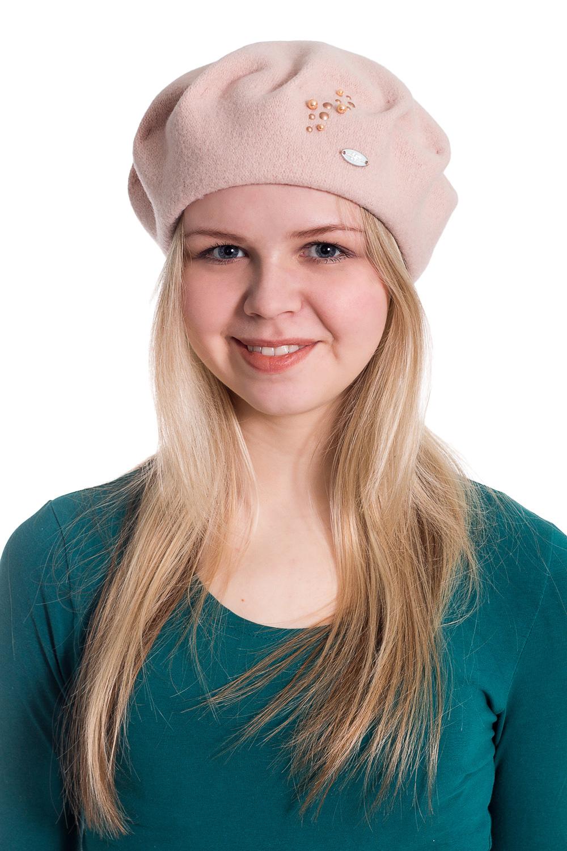 БеретБереты<br>Берет с защипами и бусинами защитит Вас от непогоды и станет прекрасным дополнением Вашего образа.  В изделии использованы цвета: бежевый  Размер universal (56-58) равен обхвату головы в сантиметрах  Обхват головы измеряется по лобной части над уровнем бровей (на 2-3 сантиметра выше) и по самой выпуклой затылочной части.<br><br>По сезону: Осень,Весна<br>Размер : universal<br>Материал: Вязаное полотно<br>Количество в наличии: 2
